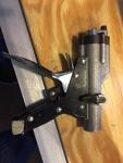 Hydraulic rivet gun