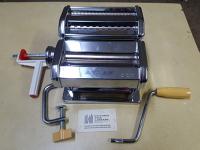 Pasta maker, manual