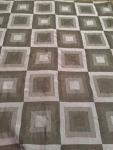 Pavo Quark Ultramarine (gray squares)