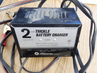 Automotive Battery Trickle Charger