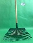 "16 1/2"" Shrub Rake Wooden Handle"