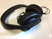 Headphone: HD202 Sennheiser