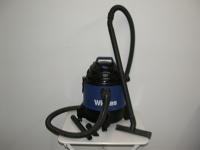 Wet-dry floor cleaner
