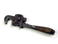 "pipe wrench, straight jaw - 2 3/8"" opening"