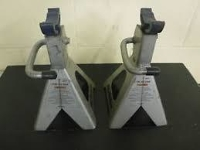 2 TON jack stand. set of 2.