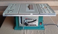 "Makita 8"" Contractor Table Saw (missing fence/miter gauge)"