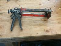Caulk gun - duel