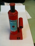 Bottle Jack - 2 Ton red