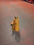 Orange Six Ton Hydraulic Jack