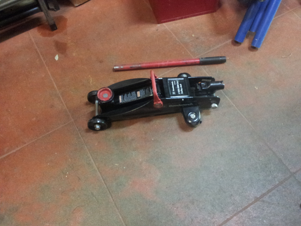 West Seattle Tool Library: 2 Ton Trolly Jack (2217)
