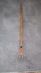 4 time long handled cultivator