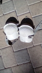 Knee pad pair
