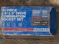 Medalist 40pc socket set (blue metal case)