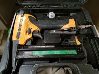 Pneumatic Brad Nailer and Stapler