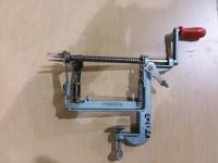 Apple corer / slicer / peeler