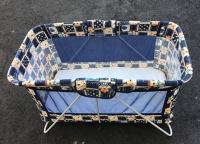 Cestovní dětská postýlka / Easily portable bed for babies