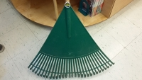 Plastic Fan Leaf Rake