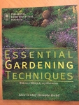 Essential Gardening Techniques / The Royal Horticultural Society