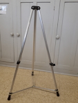 Tripod easel/sign stand