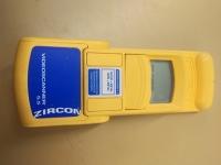 Zircon stud scanner