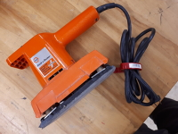 Black and Decker dual action sander