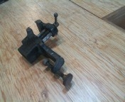 "Small clamp-on vise (2"")"