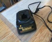 7.2V - 18V DeWalt battery charger