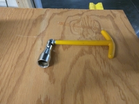 wrench, lug nut