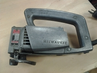 16 Gauge Milwaukee electric shear