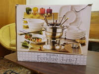 Fondue set, dishes and fuel