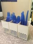Set of 4 plastic utensils