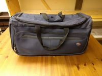Wheeled luggage tote