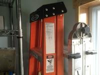 Aluminum folding ladder 18'
