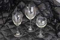 10 assorted wine glasses