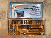 33 Piece Reversible Ratchet Driver Set